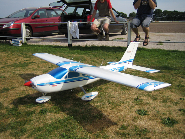 """""""""""""""Cessna Cardinal"""""""" Ad van Rijsbergen"""""""
